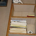 2007-12-01 - Grouik on a bookshelf